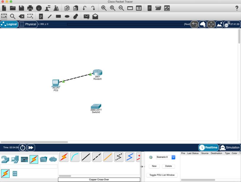 PCとルータがクロスケーブルで接続された状態